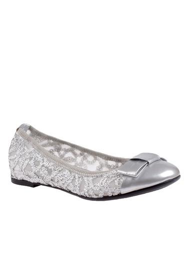 Frau Babet Gümüş